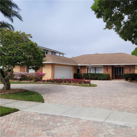 Rent this 4 bed house on Harborside Dr in Largo, FL