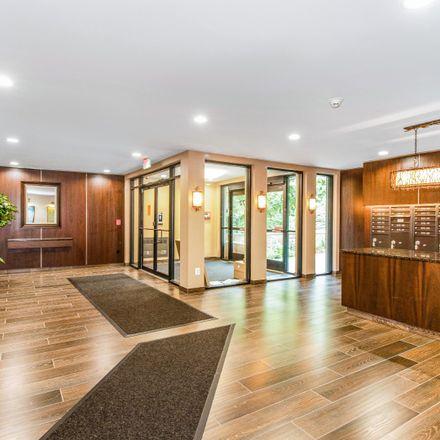 Rent this 1 bed condo on 372 Central Park Ave in Scarsdale, NY