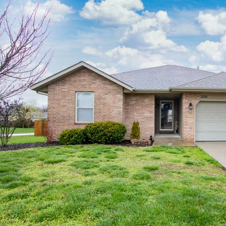 Rent this 3 bed house on 3229 East Colonial Street in Republic, MO 65738