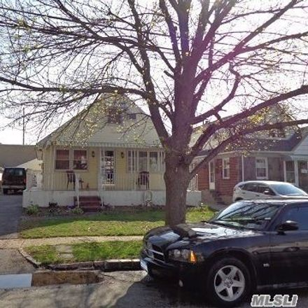 Rent this 4 bed house on 106 North 7th Street in New Hyde Park, NY 11040