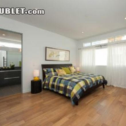 Rent this 3 bed townhouse on Las Palmas Avenue in Los Angeles, CA 90028-8127