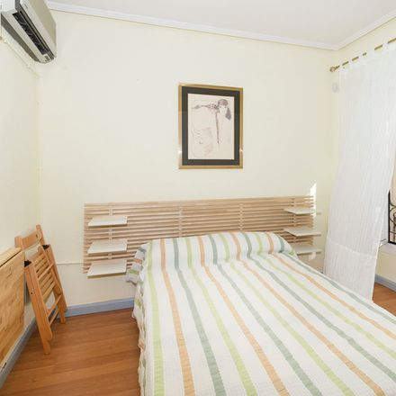 Rent this 4 bed apartment on Clínica Ruber in Calle de Juan Bravo, 28001 Madrid