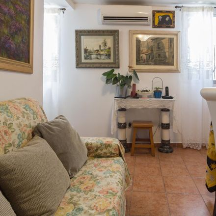 Rent this 2 bed room on Calle de Hortaleza in 17, 28004 Madrid