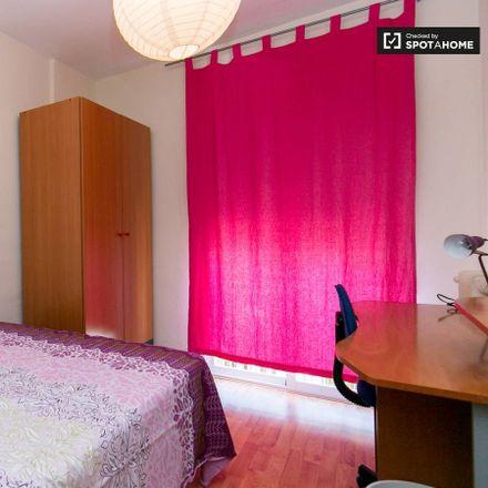 Rent this 3 bed room on Calle Rosalía de Castro in 25, 18011 Granada
