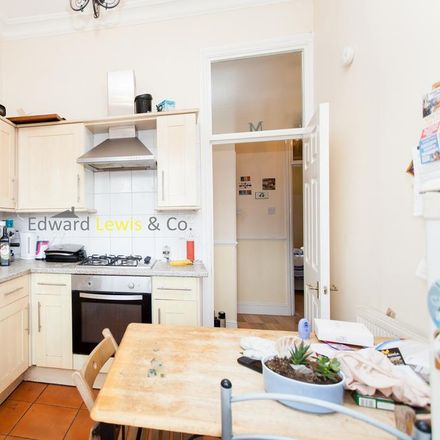 Rent this 2 bed apartment on Rectory Road in Evering Road, London N16 7SR