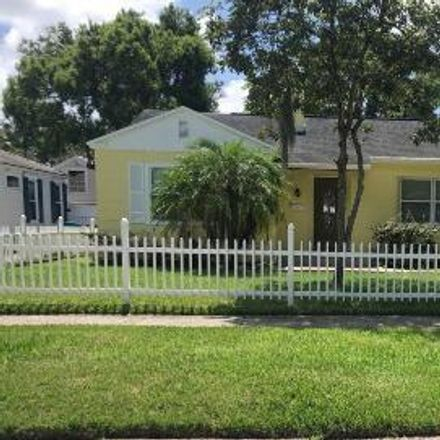 Rent this 3 bed house on 918 Smith Street in Orlando, FL 32804