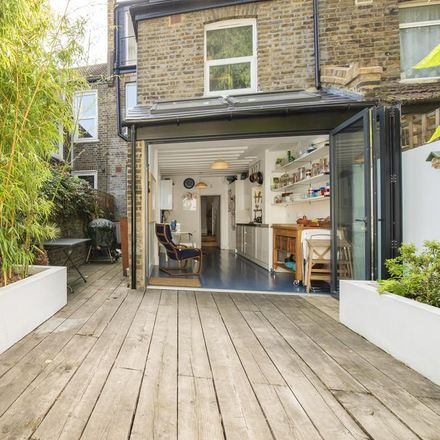 Rent this 4 bed house on G.P. Burch in Bolton Road, London NW10 4BG