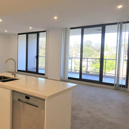 Rent this 3 bed apartment on 53/9-11 Amor Street