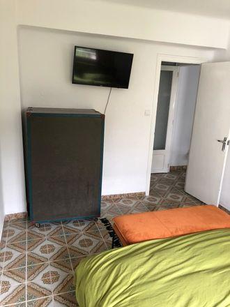 Rent this 3 bed room on Carrer de les Acàcies in 28, 46025 València