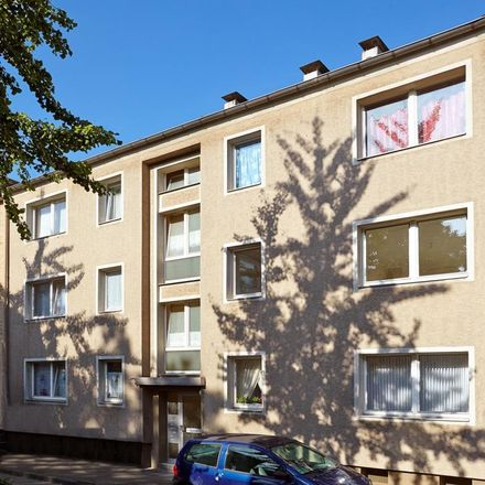 Rent this 3 bed apartment on Roonstraße 4 in 45476 Mülheim, Germany