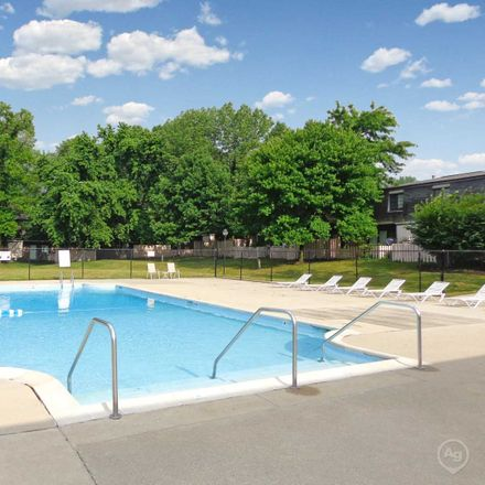 Rent this 2 bed apartment on North Central Church of Christ in Westfield Boulevard, Ravenswood