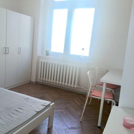 Rent this 4 bed room on Mokotowska in 00-001 Warszawa, Poland