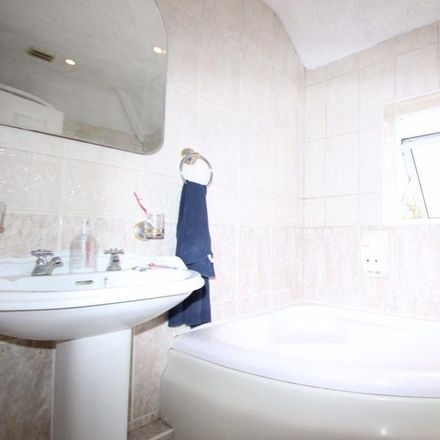 Rent this 6 bed house on 156 Headley Way in Oxford OX3 7SZ, United Kingdom