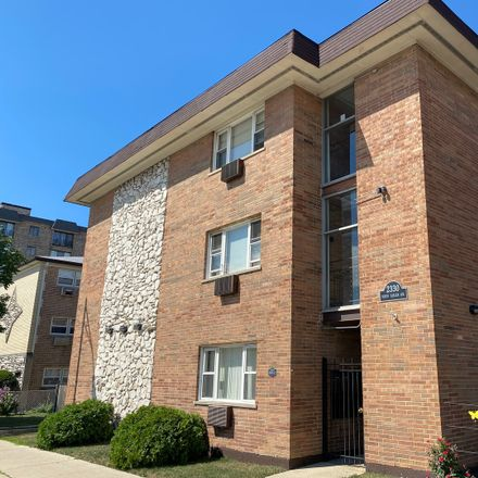 Rent this 1 bed condo on North Harlem Avenue in Elmwood Park, IL 60402