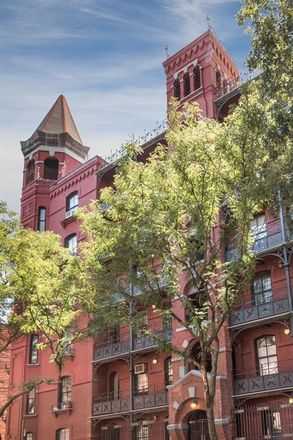 Rent this 1 bed condo on 433 Hicks Street in New York, NY 11201