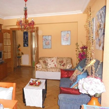 Rent this 2 bed room on ONCE in Calle de Villaescusa, 11