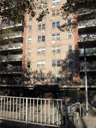 Rent this 2 bed condo on Jerome Street in New York, NY 11207