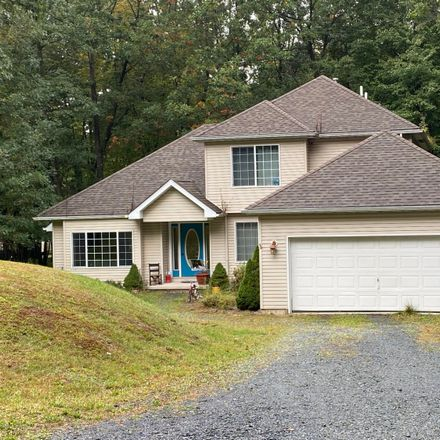 Rent this 3 bed house on Lenape Trl in Albrightsville, PA