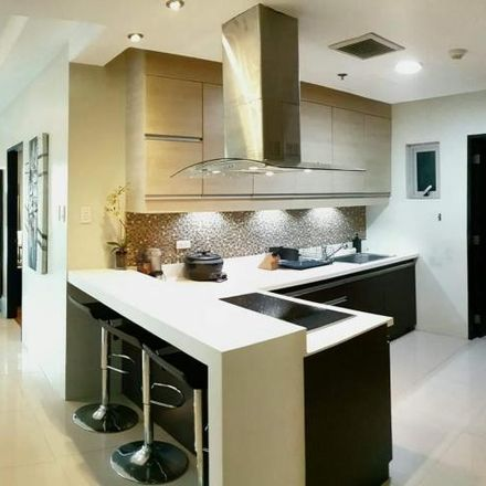 Rent this 2 bed condo on Crescent Park Residences in 30th Street, Taguig