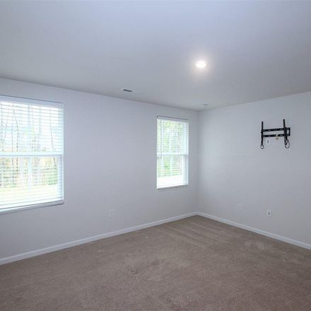 Rent this 3 bed house on E Lumber Ct in Clayton, NC 27520