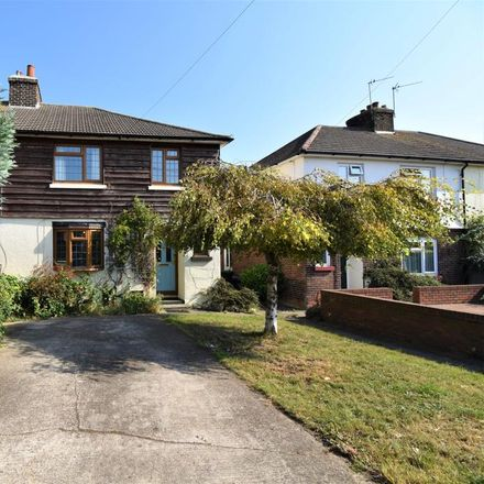 Rent this 3 bed house on Murray Road in Frindsbury ME2 4HJ, United Kingdom