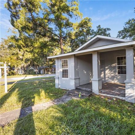 Rent this 2 bed house on 1712 West Main Street in Leesburg, FL 34748