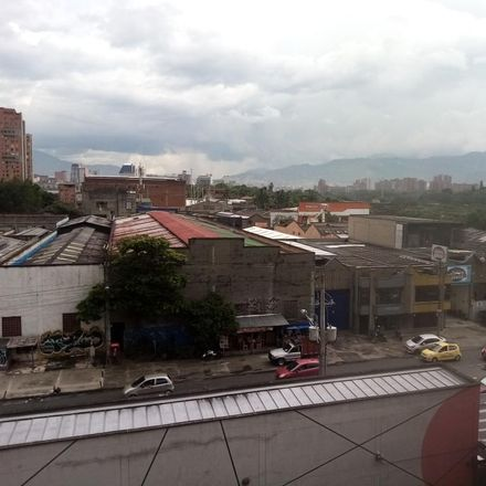 Rent this 3 bed apartment on Calle 68 in Comuna 4 - Aranjuez, Medellín