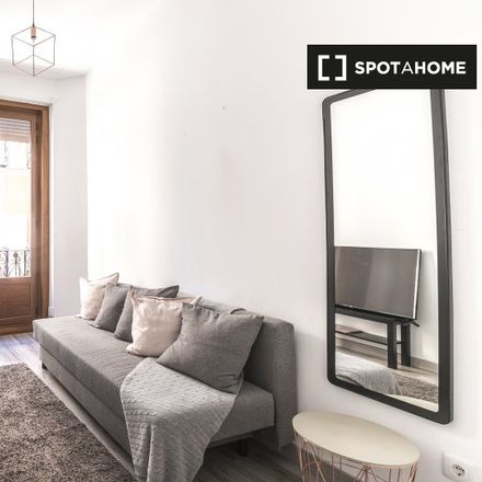 Rent this 1 bed apartment on Calle de los Jardines in 13, 28013 Madrid