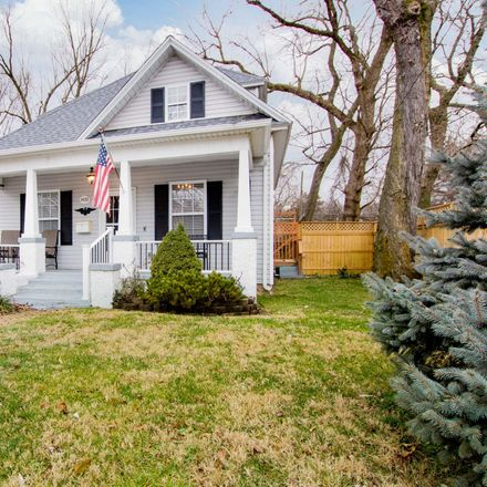 Rent this 3 bed house on North Texas Avenue in Springfield, MO 65802