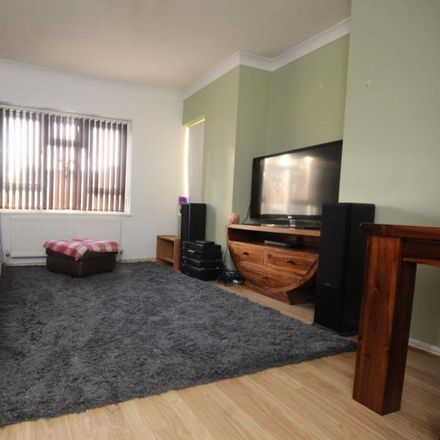 Rent this 2 bed apartment on 25-35 Boleyn Gardens in Brentwood CM13 2EP, United Kingdom