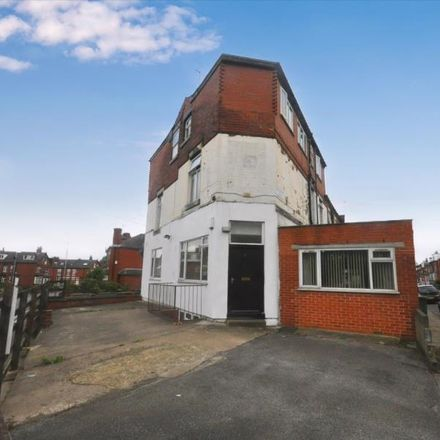 Rent this 6 bed room on Lumley Avenue in Leeds LS4 2LS, United Kingdom
