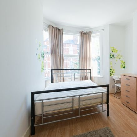 Rent this 6 bed room on Ashleys Alley in London N15 3BL, United Kingdom