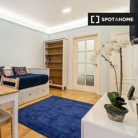 Rent this 2 bed apartment on Rua dos Prazeres 54 in 1200-366 Lisbon, Portugal