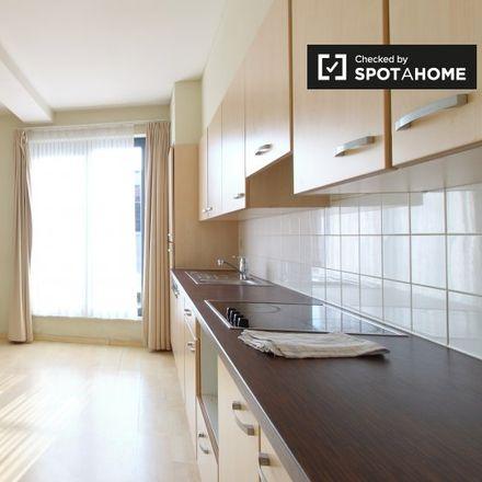 Rent this 3 bed apartment on Boulevard Baudouin - Boudewijnlaan in 1000 Brussels, Belgium