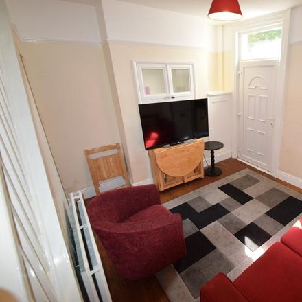 Rent this 3 bed house on 268 Sharrow Vale Road in Sheffield S11 8ZF, United Kingdom