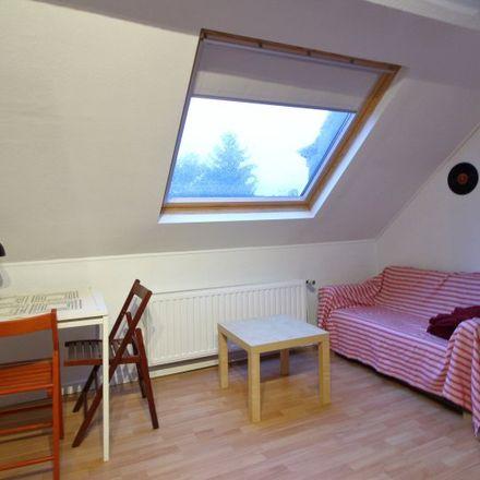 Rent this 6 bed room on Avenue Georges Henri - Georges Henrilaan 470 in 1200 Woluwe-Saint-Lambert - Sint-Lambrechts-Woluwe, Belgium