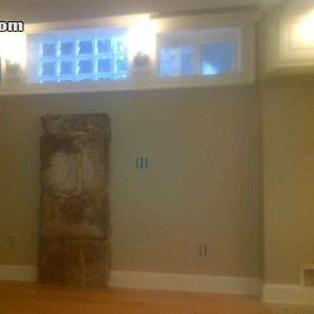 Rent this 3 bed apartment on 35 Court Street in New Haven, CT 06511
