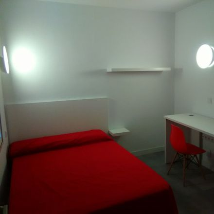 Rent this 5 bed room on Bike2Ruedas Montoya Bicicletas in Calle Simón García, 30003 Murcia