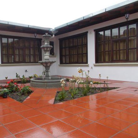 Rent this 3 bed house on Entrada a Guapulo in La Carolina, PICHINCHA