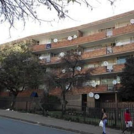 Rent this 1 bed house on Cavendish Road in Johannesburg Ward 67, Johannesburg