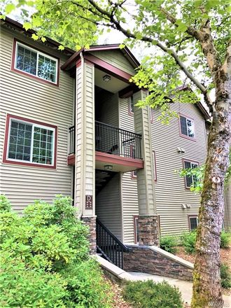 Rent this 3 bed townhouse on 25025 Southeast Klahanie Boulevard in Sammamish, WA 98029
