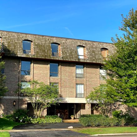 Rent this 2 bed condo on Hubbard Woods Business District in 134 Green Bay Road, Winnetka