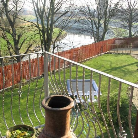 Rent this 5 bed house on Riverside Gardens in Trafford M33 6JS, United Kingdom