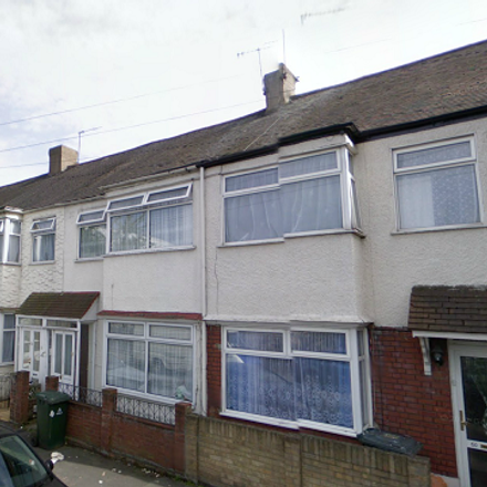 Rent this 4 bed house on Berwick Road in London E16 3DS, United Kingdom