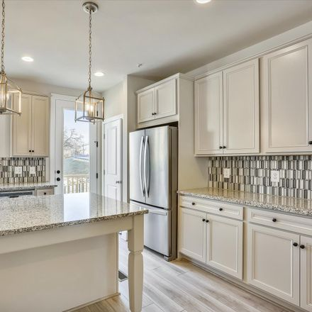 Rent this 3 bed townhouse on 1926 Chapman Avenue in Rockville, MD 20852