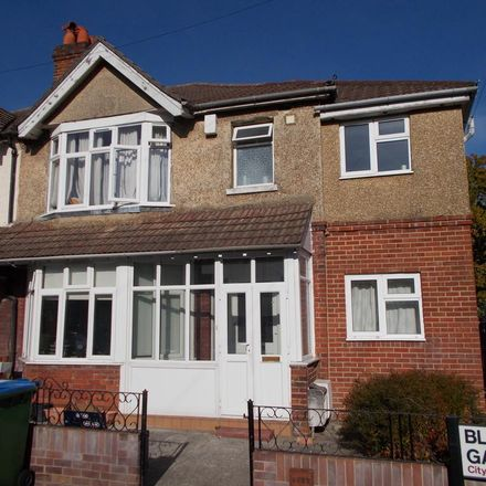 Rent this 7 bed house on 8 Blenheim Gardens in Southampton SO17 3RL, United Kingdom
