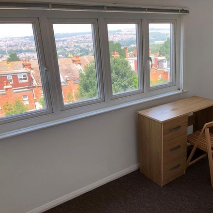 Rent this 6 bed house on Hallett Road in Brighton BN2 9ZN, United Kingdom