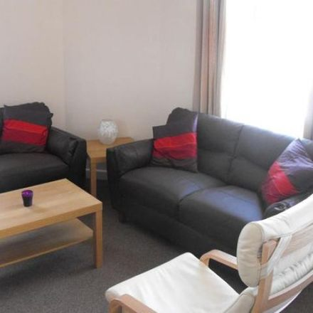 Rent this 5 bed apartment on Kensington Road in Plymouth PL4 7LU, United Kingdom