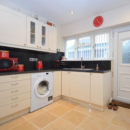 Rent this 3 bed house on Dunniwood Avenue in Doncaster DN4 7JP, United Kingdom