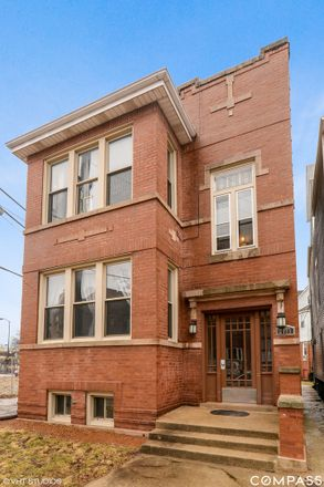 Rent this 3 bed townhouse on 2435 West Ainslie Street in Chicago, IL 60625